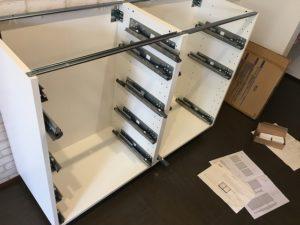 IKEA カップボード 組み立て DIY