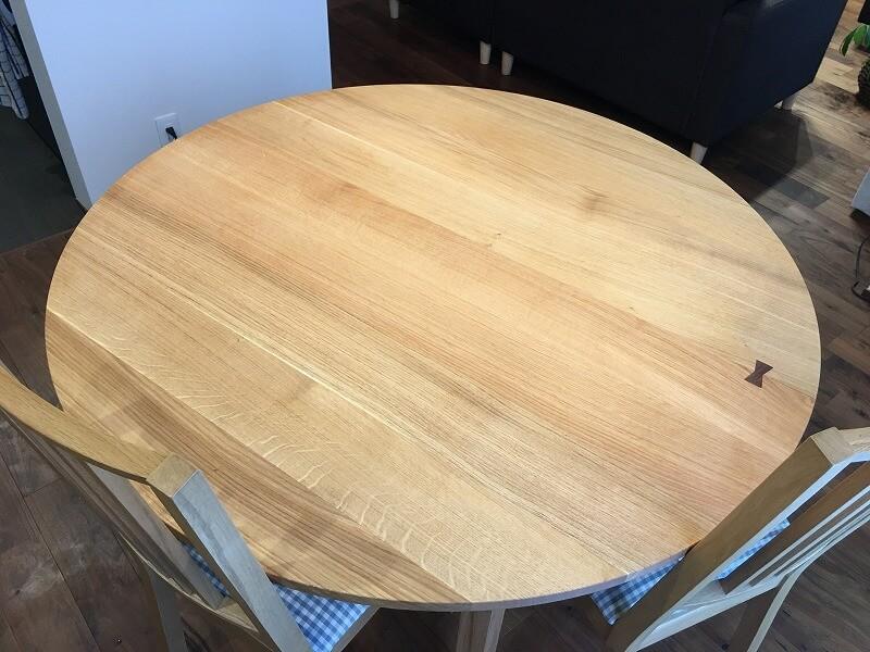 新居 ダイニングテーブル