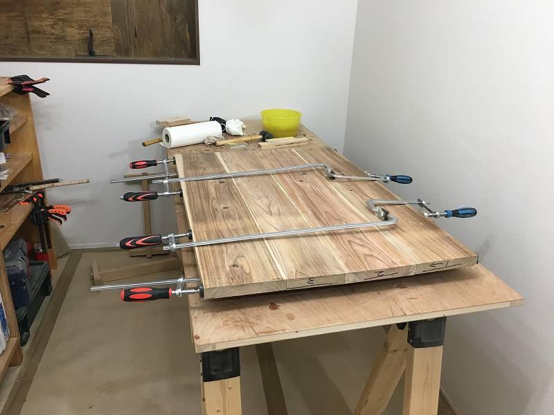 クランプ 天板 ダボ継ぎ DIY 木工 幅継ぎ 杉板 リビングテーブル