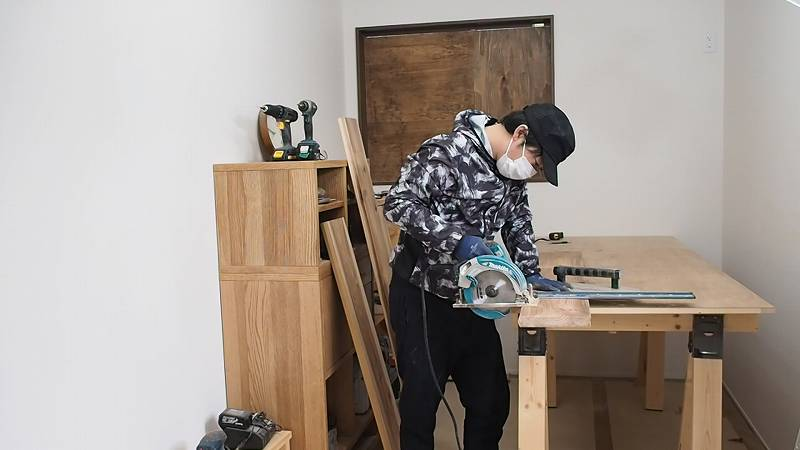 丸ノコ カフェ板 リビングテーブル DIY