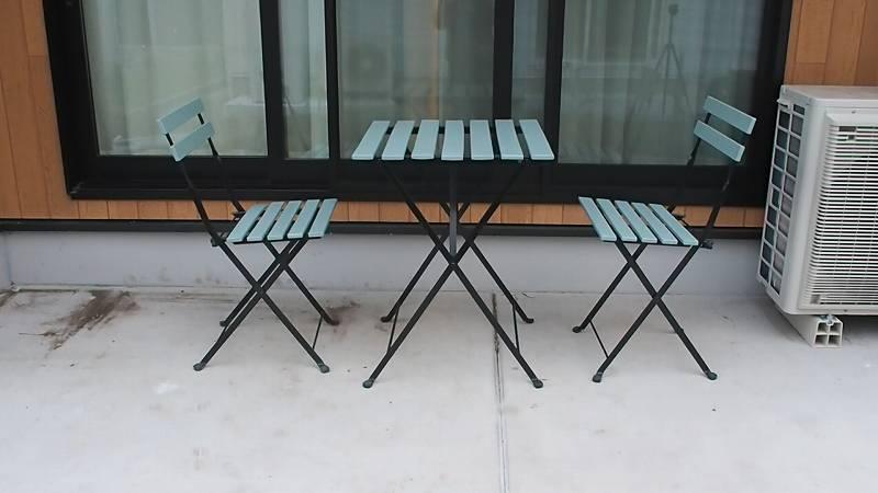 IKEAのガーデンチェアとテーブル ミルクペイント リメイク DIY