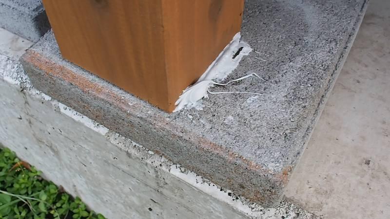 鋼製束とデッキ材を使用したウッドデッキを作る 脚材 固定