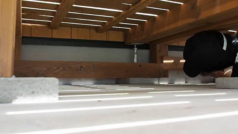 鋼製束とデッキ材を使用したウッドデッキを作る 根がらみ 設置